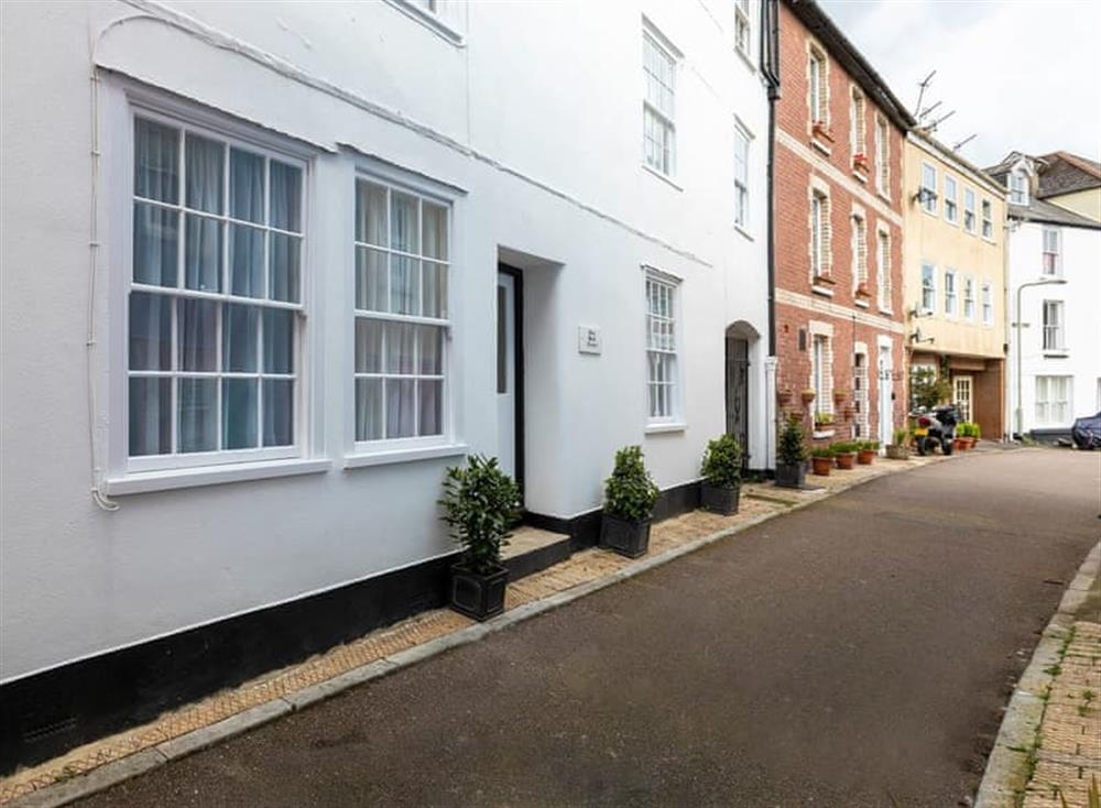 Delightful Grade II listed double fronted Georgian building
