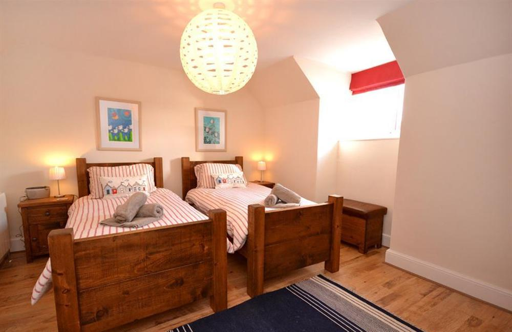 The twin bedroom at 1 River View, Stoke Gabriel