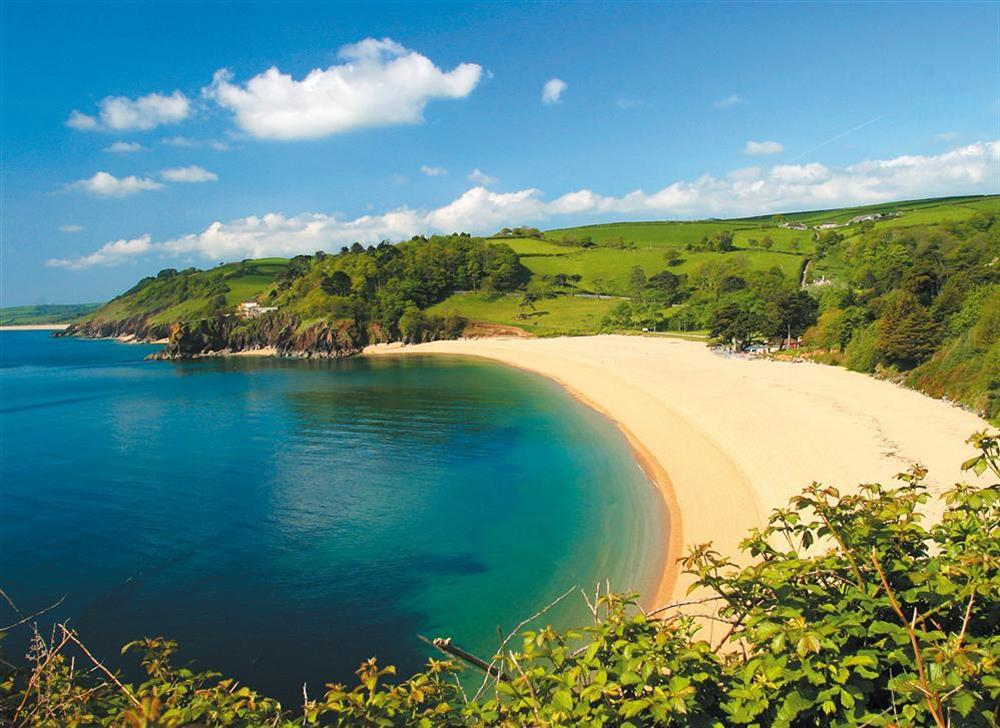 Blackpool Sands a 10 minute drive from Dartmouth at 10 Dartmouth House in Mayors Avenue, Dartmouth