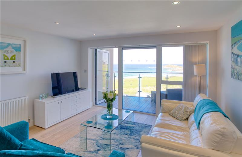 This is the living room at 11 Ocean Gate, Cornwall