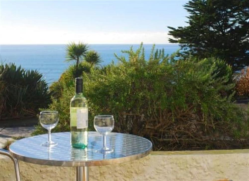Sitting-out-area at 17 Mount Brioni in Looe & Polperro, South Cornwall