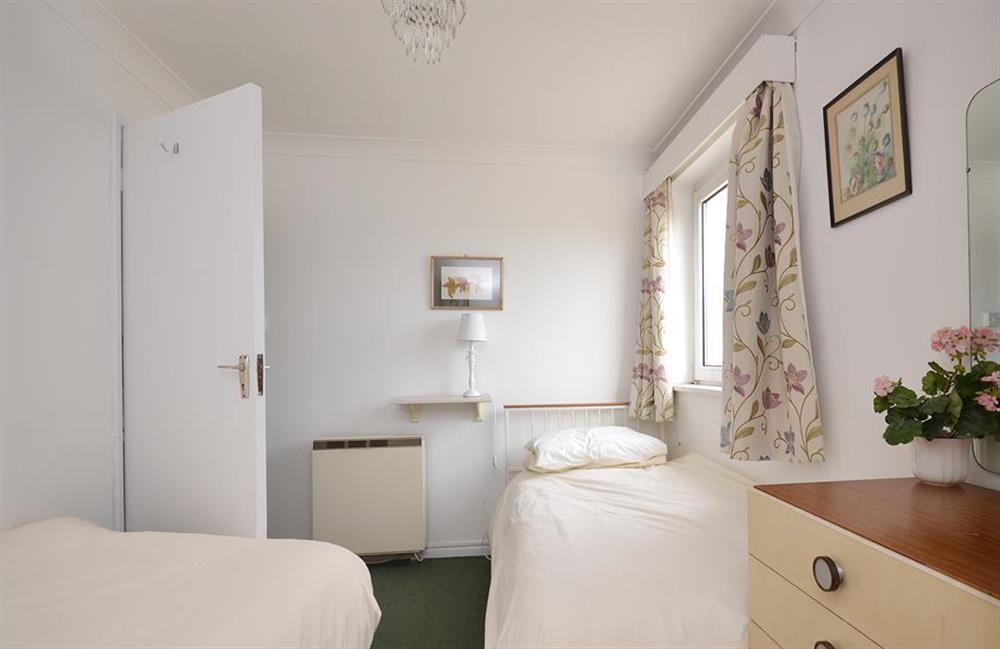 The twin bedroom at 1B Mayflower Court, Dartmouth