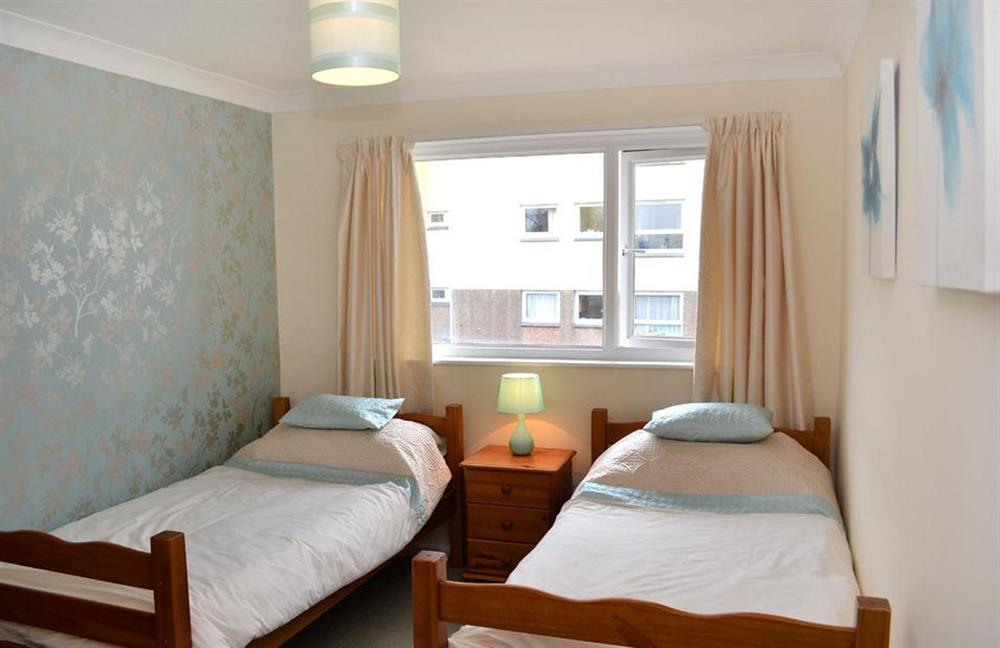 The twin bedroom at 1C Mayflower Court, Dartmouth