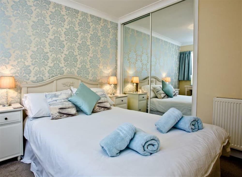 Double bedroom at 2 Linden Court in , Brixham