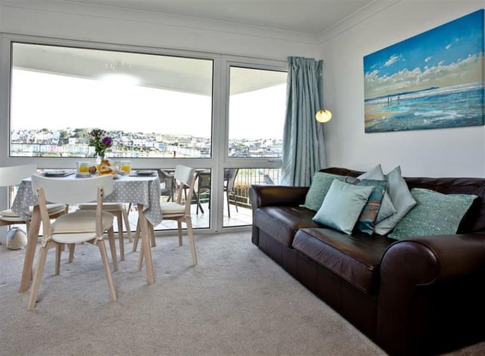Open plan living space (photo 3) at 2 Linden Court in , Brixham