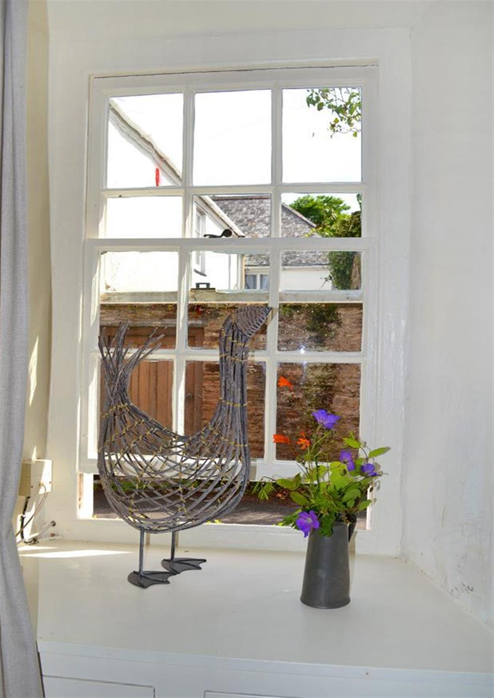 A window detail at 2 Vale Cottage, Slapton
