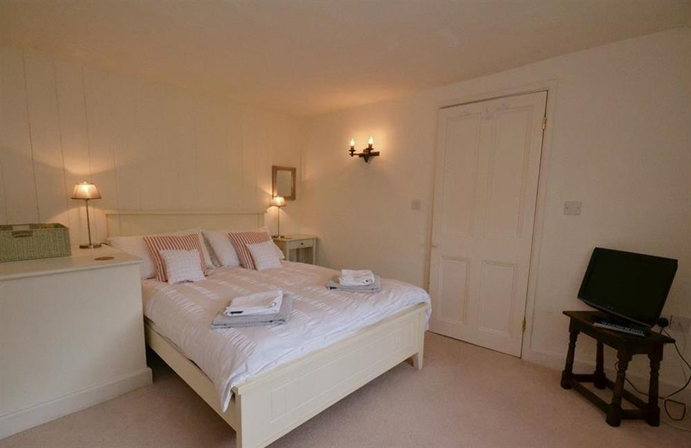 The double bedroom. (photo 2) at 2 Vale Cottage, Slapton
