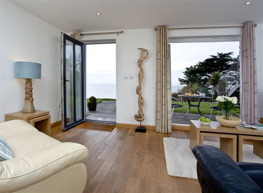 Living area at 20 Mount Brioni in Looe & Polperro, South Cornwall