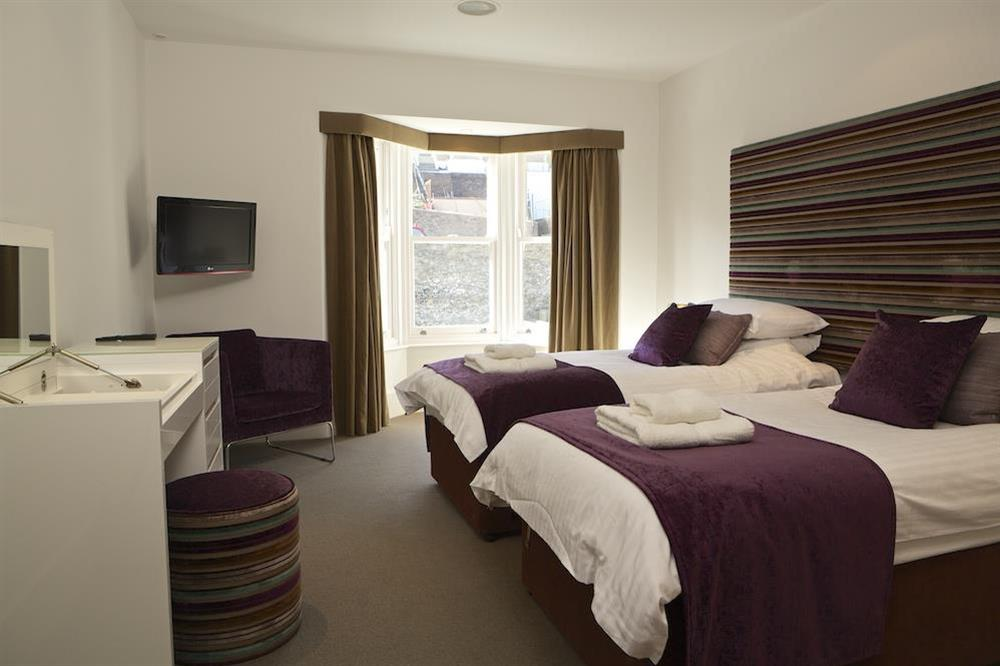Second bedroom with twin beds at 21 Dart Marina in Sandquay Road, Dartmouth
