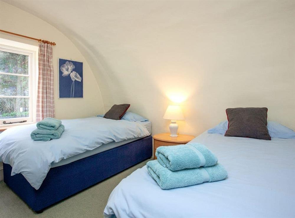 Twin bedroom at 3 Castle Cottage in Bow Creek, Nr Totnes, South Devon., Great Britain