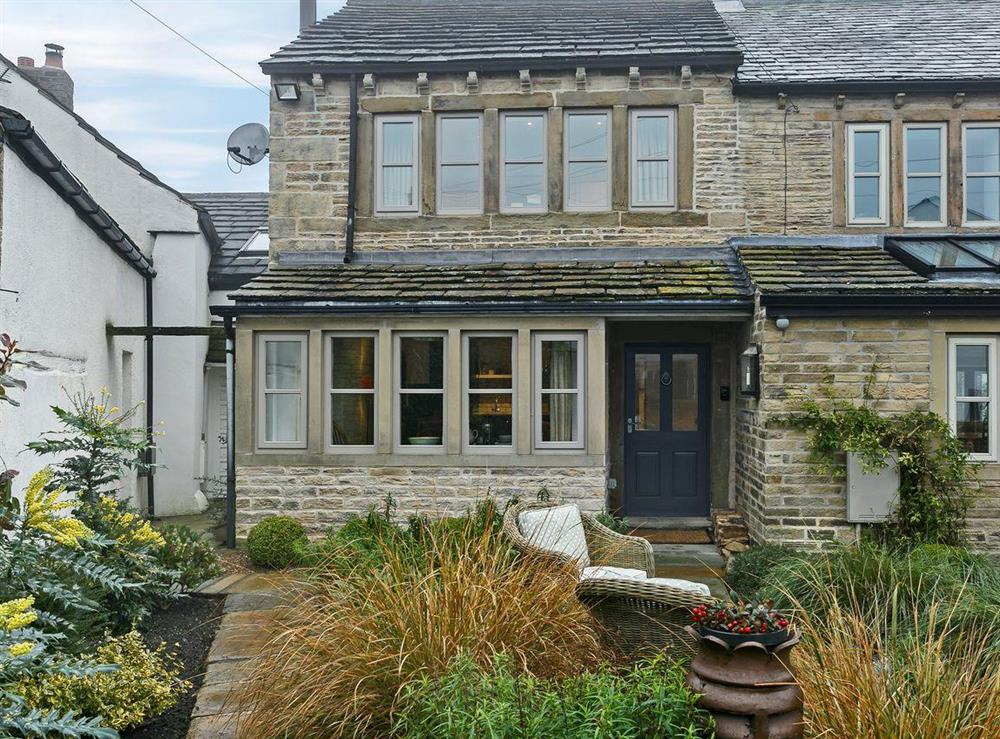 Wonderfully appointed semi-detached cottage at 3 Healey Cottage in Shelley, near Huddersfield, West Yorkshire