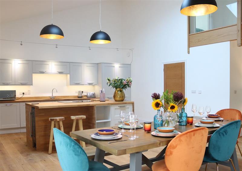 Dining room at 3 Seagry Barn, Malmesbury