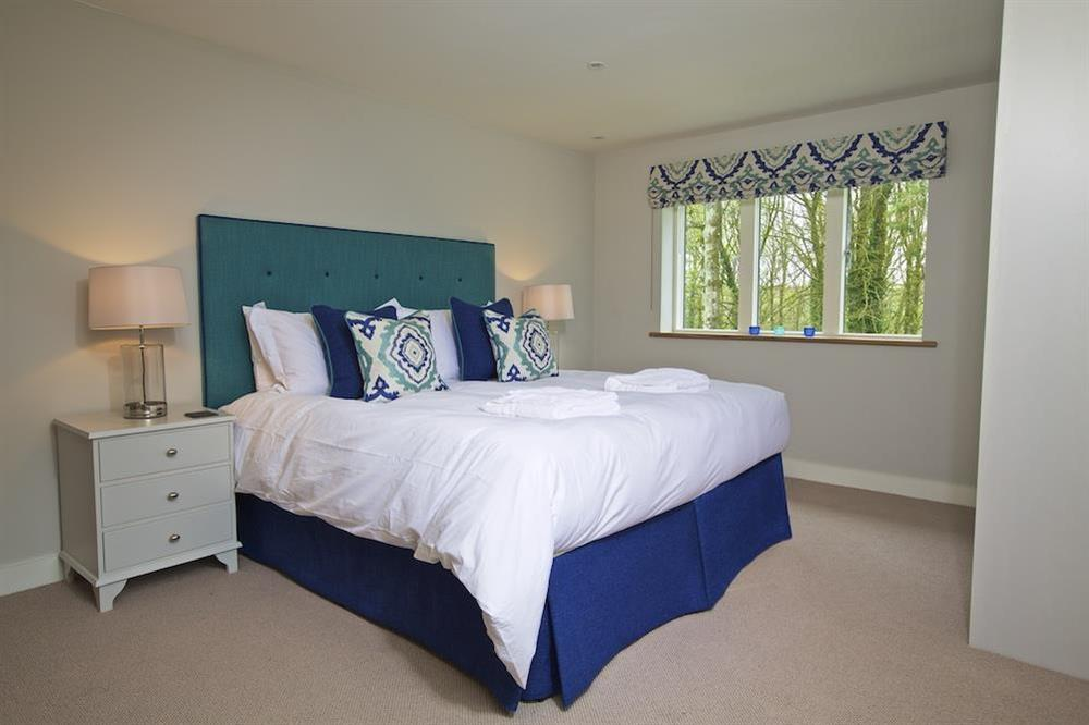 En suite double room with a super-King size (zip and link) bed at 3 The Drive in , Hillfield, Dartmouth
