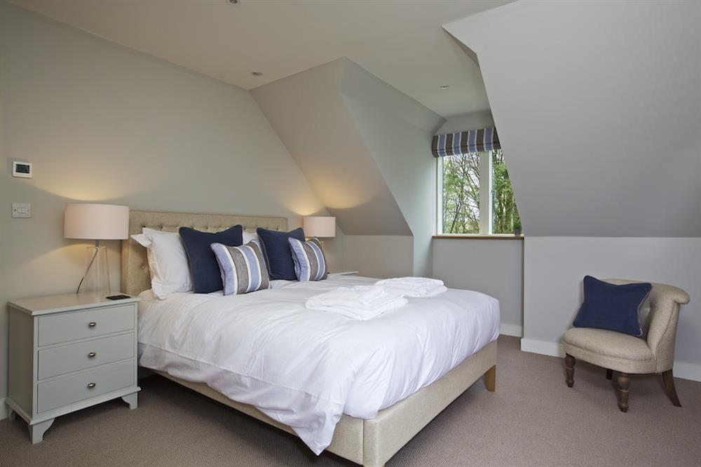 Second floor double room with a super-King size bed (photo 2) at 3 The Drive in , Hillfield, Dartmouth