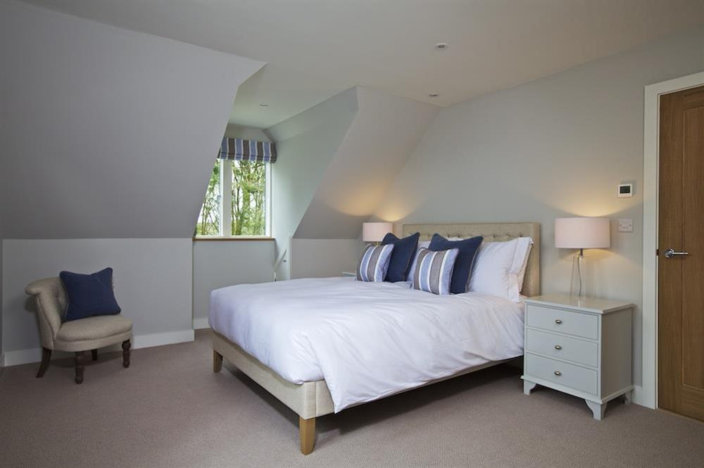 Second floor double room with a super-King size bed (photo 3) at 3 The Drive in , Hillfield, Dartmouth