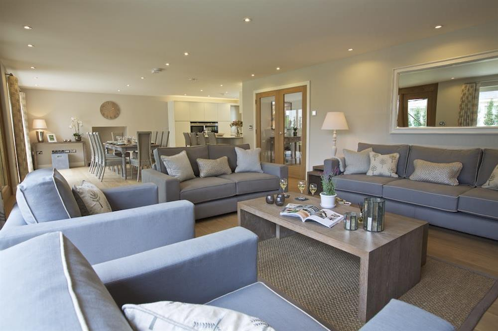 The living space is presented to the highest standards (photo 2) at 3 The Drive in , Hillfield, Dartmouth