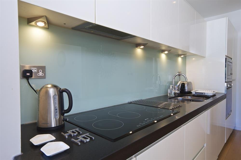 Well equipped kitchen area with granite worktops at 3 The Pottery in , Dartmouth