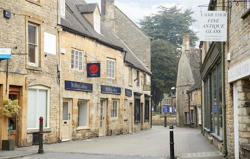 Stow-on-the-Wold with its honey-coloured buildings, cosy pubs, tiny tearooms and narrow streets