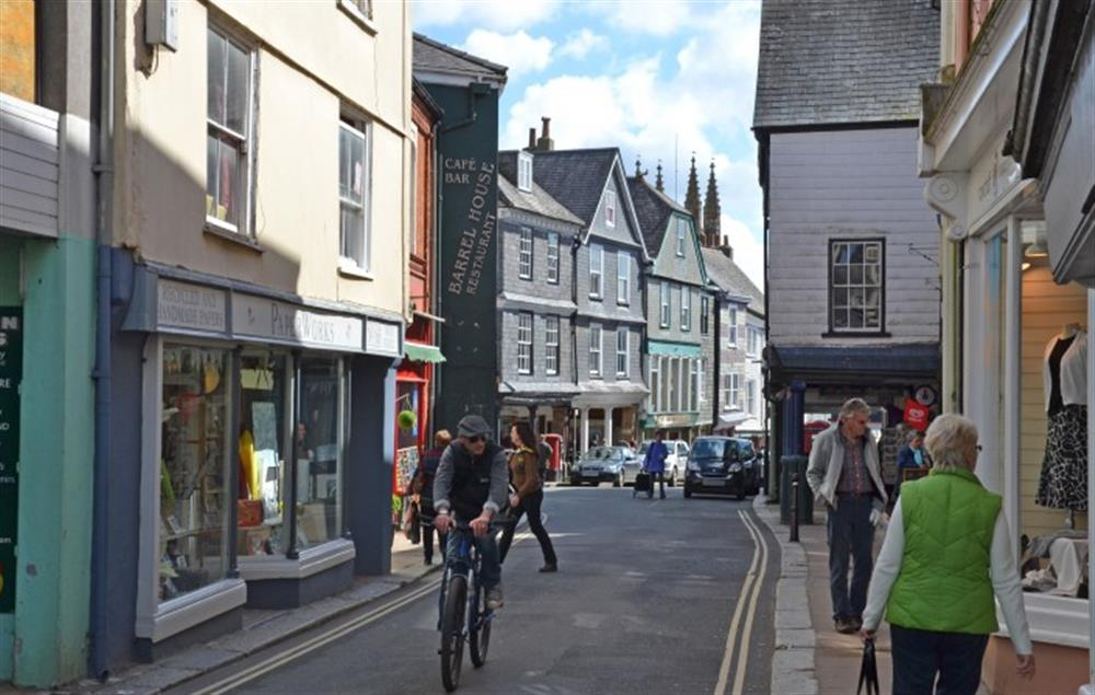The bohemian town of Totnes is just 7 miles away at 4 Bouchard, East Allington