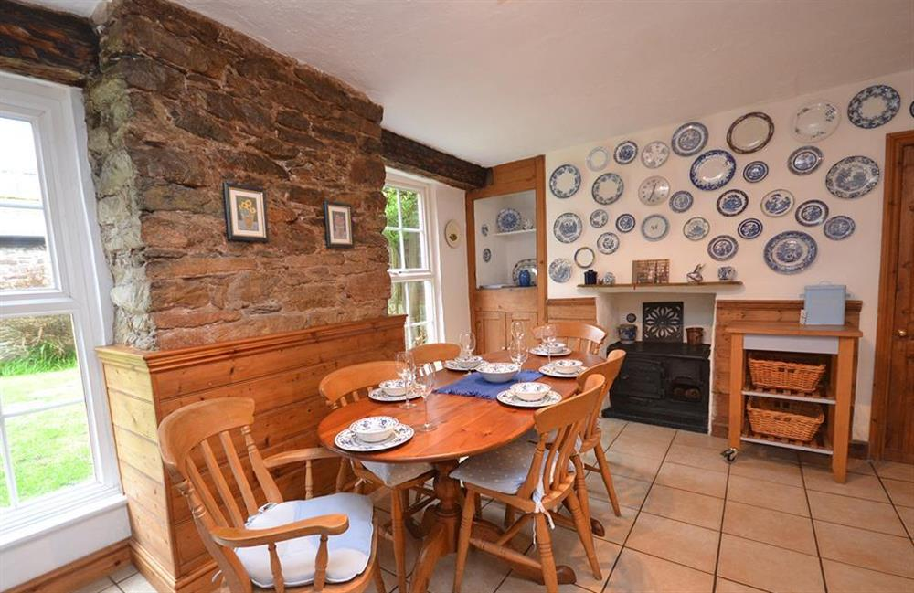 The dining table with views onto the garden at 4 Kings Quay, Dartmouth