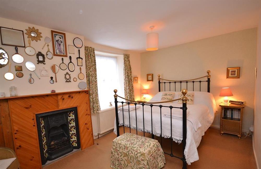The second double bedroom at 4 Kings Quay, Dartmouth