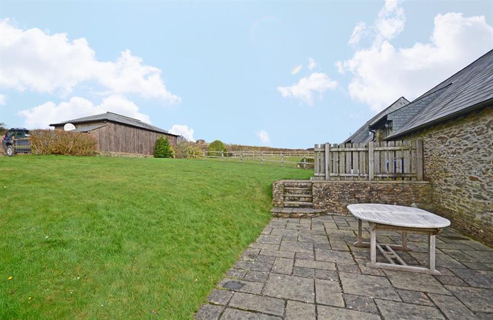 Large expanse of garden at 5 West Hartley Barns, Blackawton