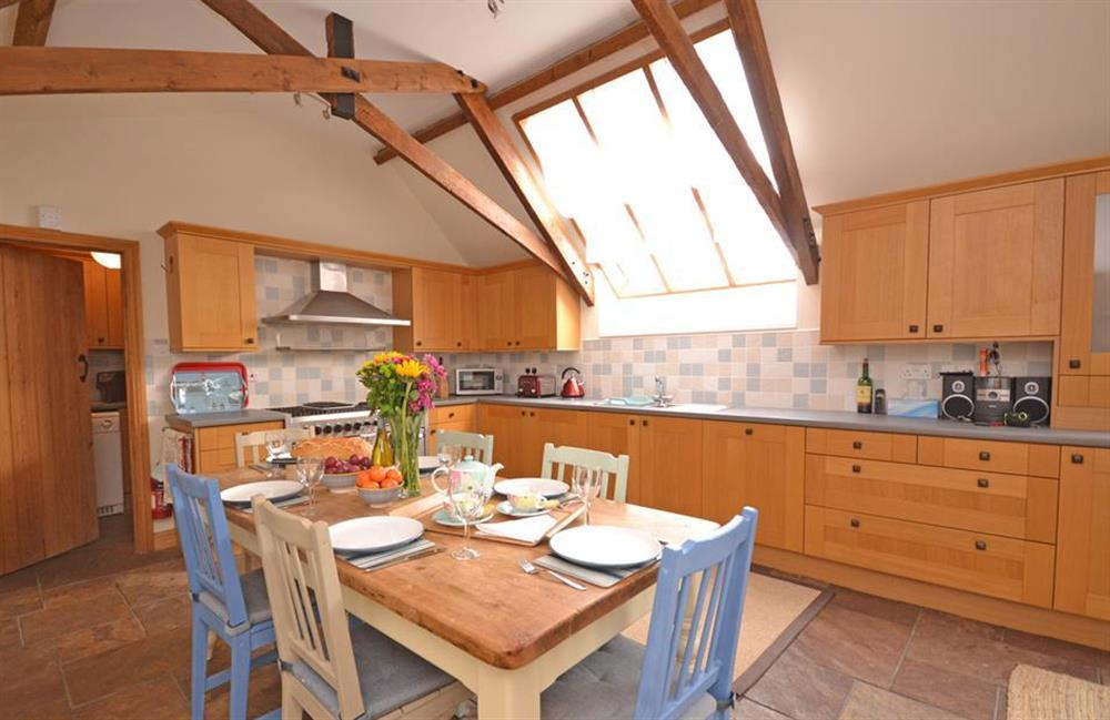 The kitchen and dining area at 5 West Hartley Barns, Blackawton