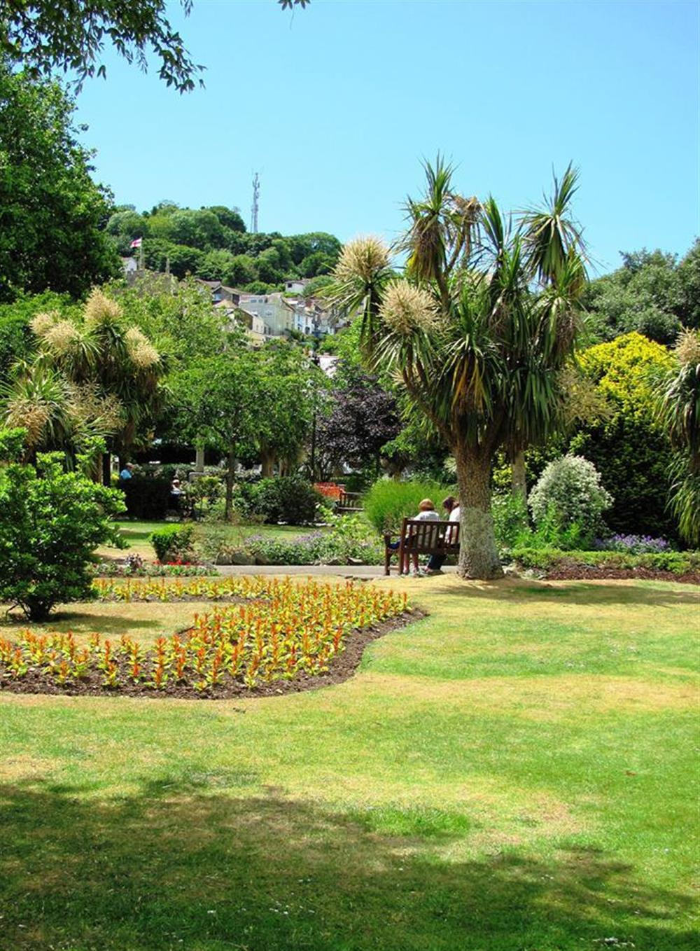 The nearby botanical gardens at 6 Mayflower Court, Dartmouth