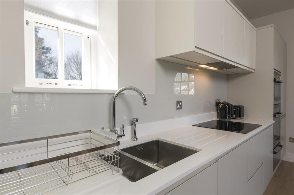 Contemporary, well equipped kitchen (photo 2) at 6 The Manor House, Hillfield Village in , Hillfield, Dartmouth