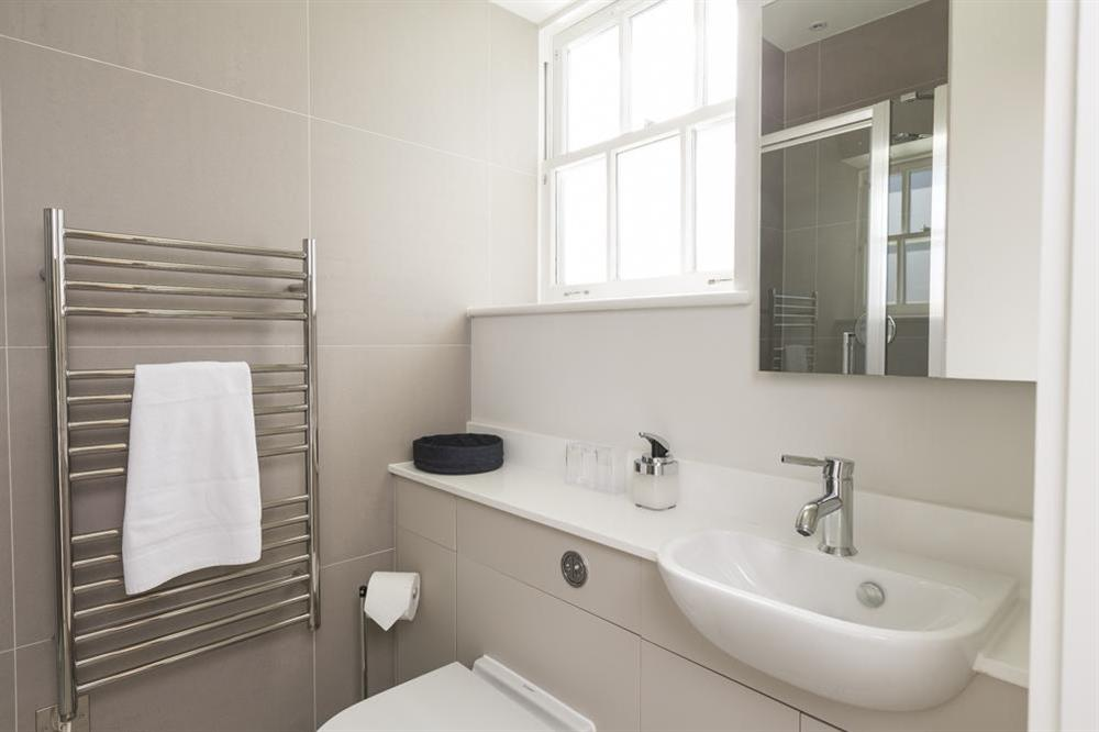 Fully tiled en suite shower room at 6 The Manor House, Hillfield Village in , Hillfield, Dartmouth