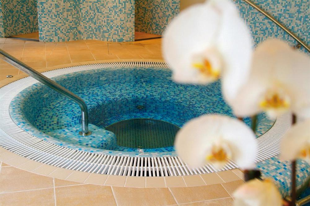 Guests can enjoy the use of the luxury facilities of the Dart Marina Health Spa in Dartmouth