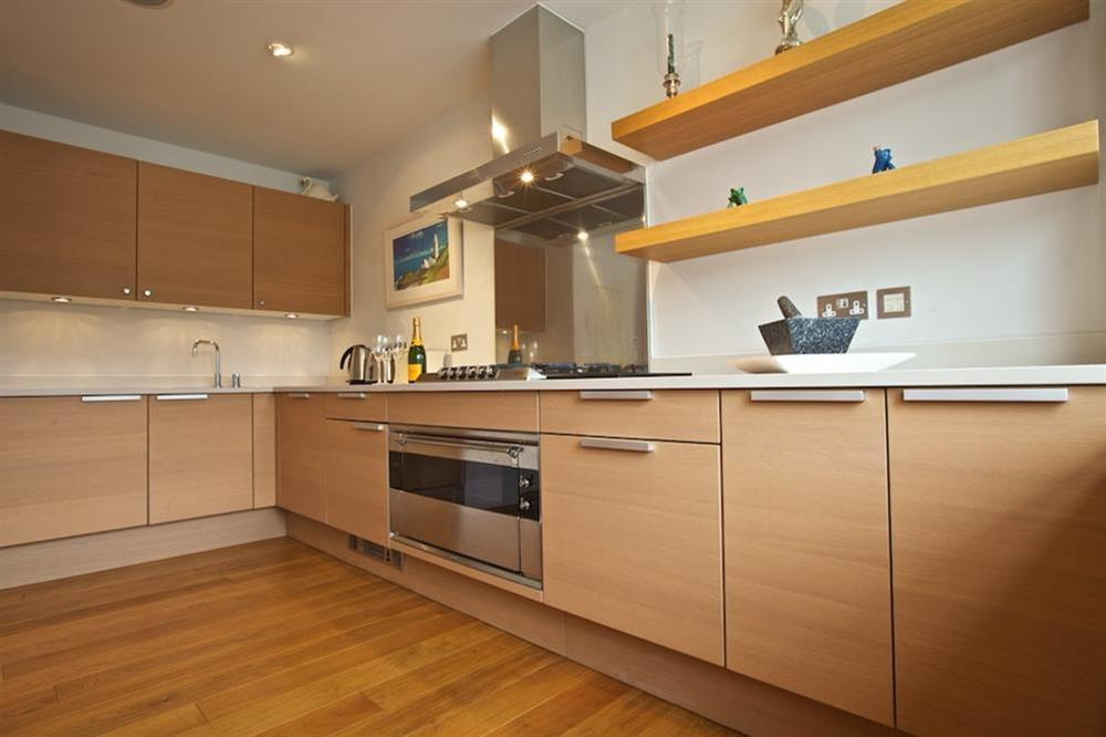 State-of-the-art Poggenpohl kitchen (photo 4) at 7 Dart Marina in Sandquay Road, Dartmouth