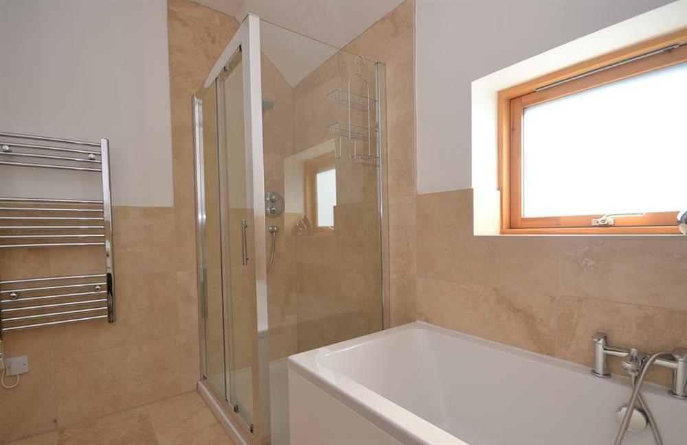 Another look at the en suite at 7 Dufour, East Allington