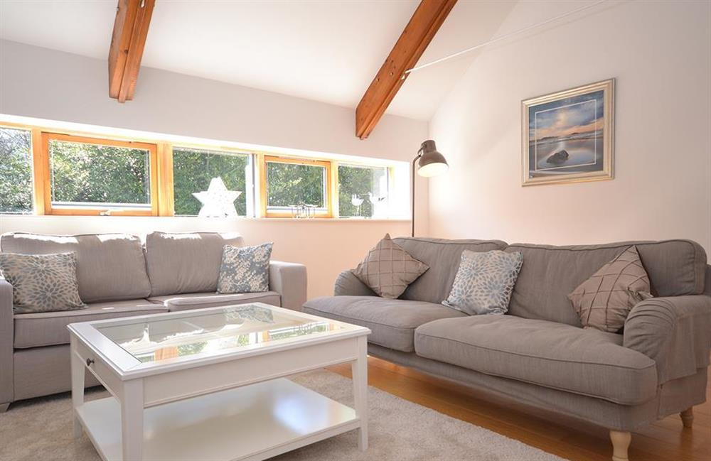 Another look at the lounge at 7 Dufour, East Allington