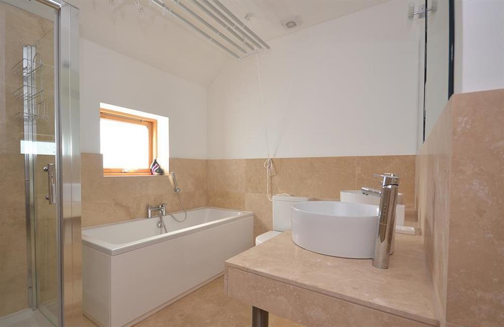 The master bedroom en suite bathroom at 7 Dufour, East Allington