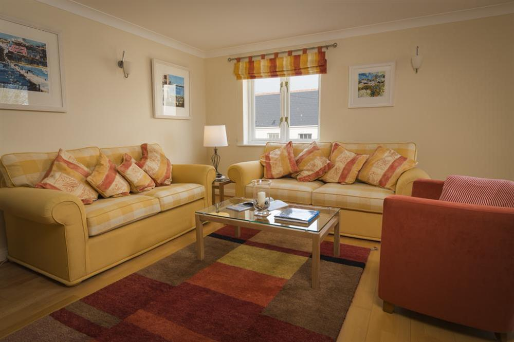 Comfortably furnished living area at 9 Dartmouth House in , Dartmouth
