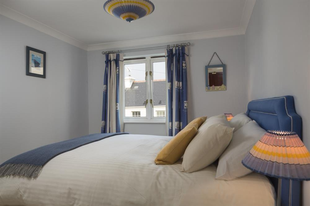 Second bedroom with King-size bed at 9 Dartmouth House in , Dartmouth