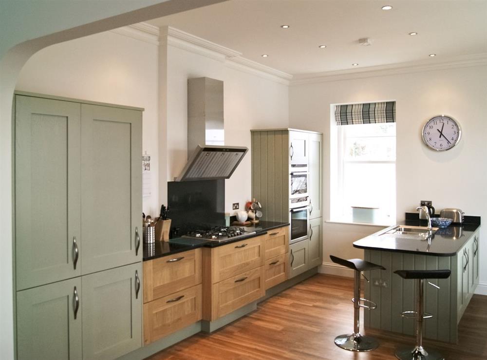 Kitchen/diner at Above Town 77 in Dartmouth, Devon