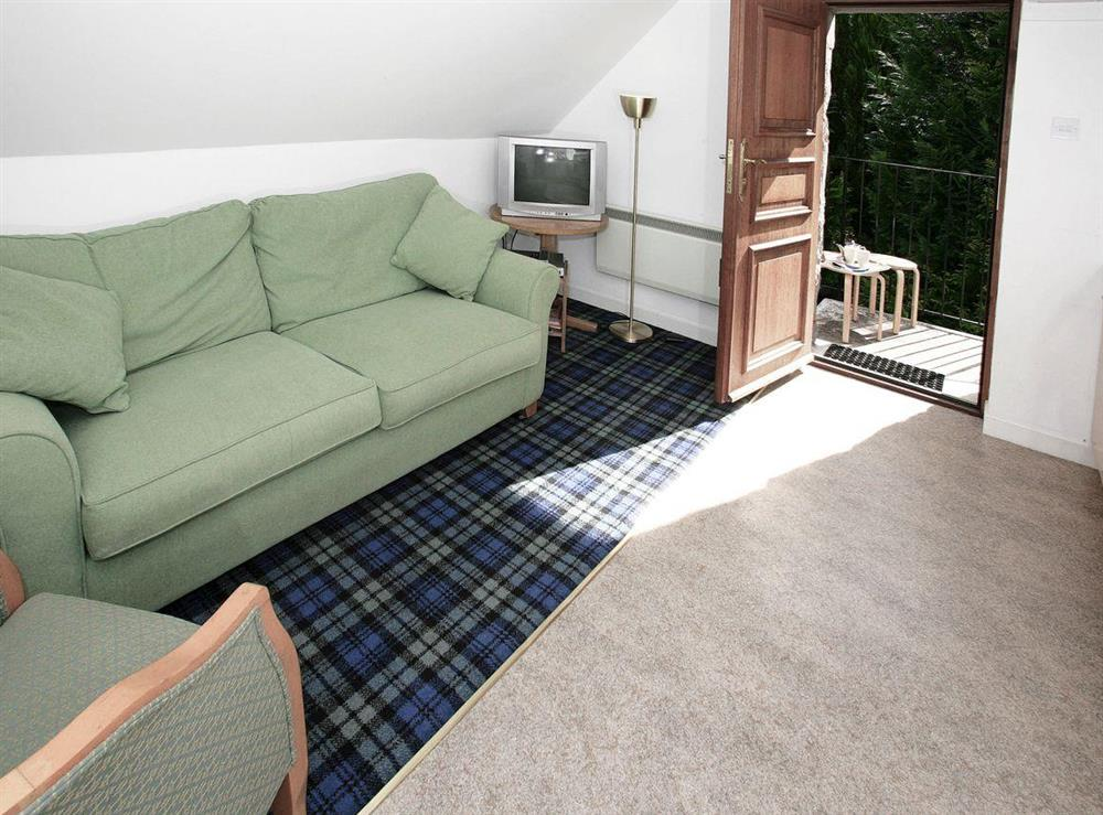 Comfortable open plan living at Pine Cottage,