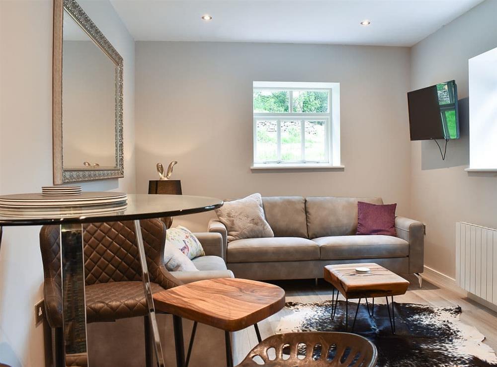 Living room/dining room at Beckett Lodge,