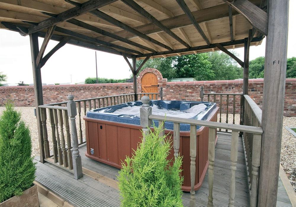 Shared hot tub at Alfies Abode in Skegness, Lincolnshire