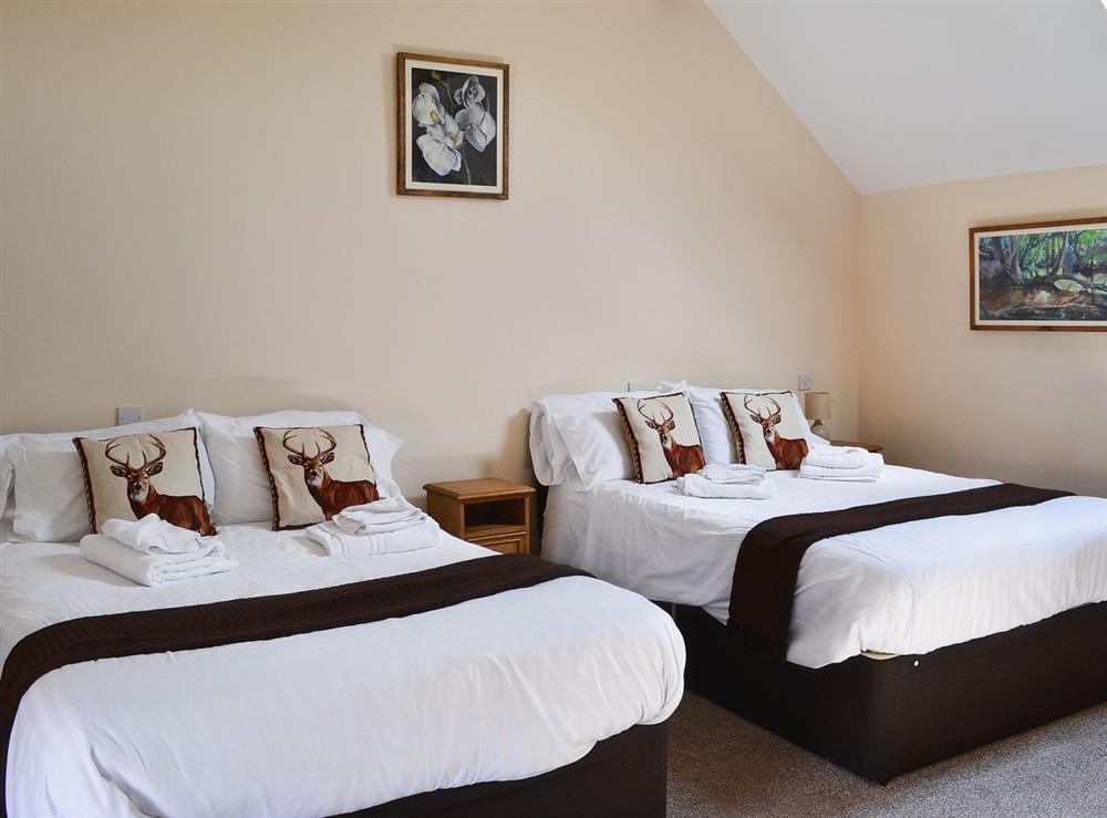 Twin bedroom at Jamess Parlour,
