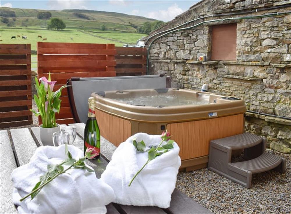 Hot tub at Annabels Loft in Gayle, near Hawes, North Yorkshire