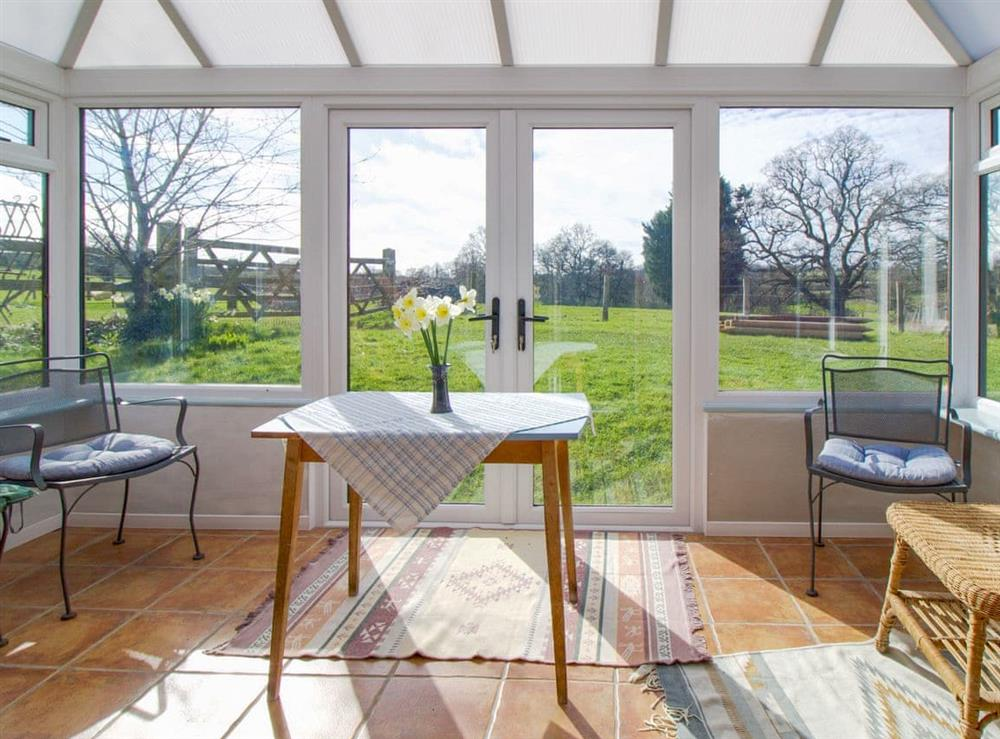 Light and airy conservatory (photo 2) at Anvil Cottage in Twyford, near Shaftesbury, Dorset