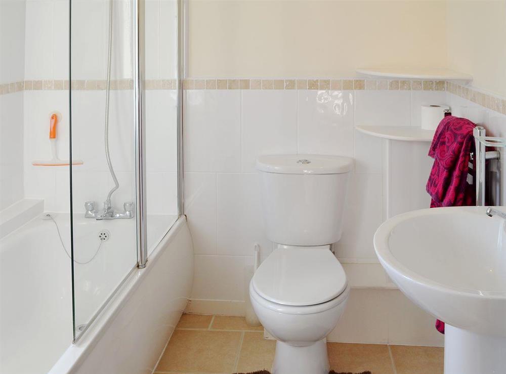 En-suite shower at Appletree Barn in Preston, near Canterbury, Kent