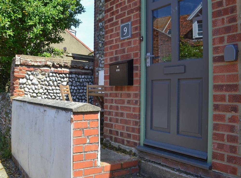 Delightful holiday property on a quiet residential street close to the beach at Avocet Cottage in Sheringham, Norfolk