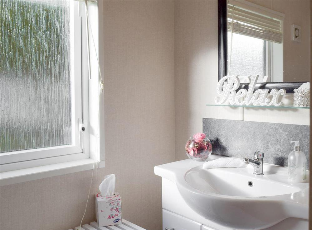 En-suite bathroom at Azure View in Corton, near Lowestoft, Suffolk