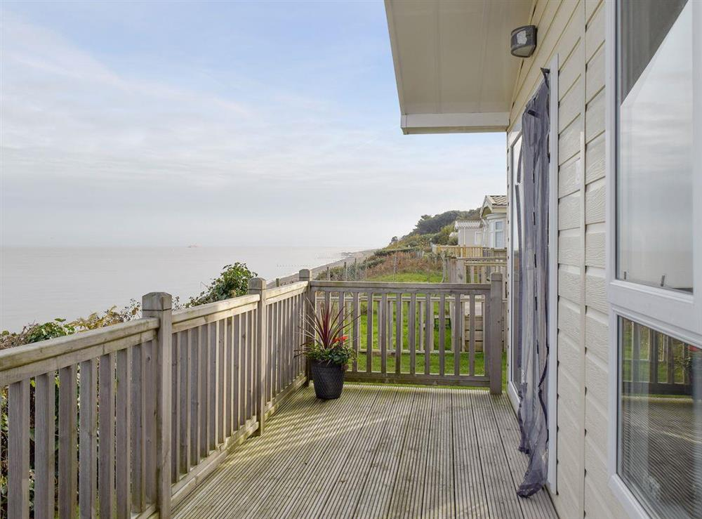 Lovely holiday home in coastal location at Azure View in Corton, near Lowestoft, Suffolk