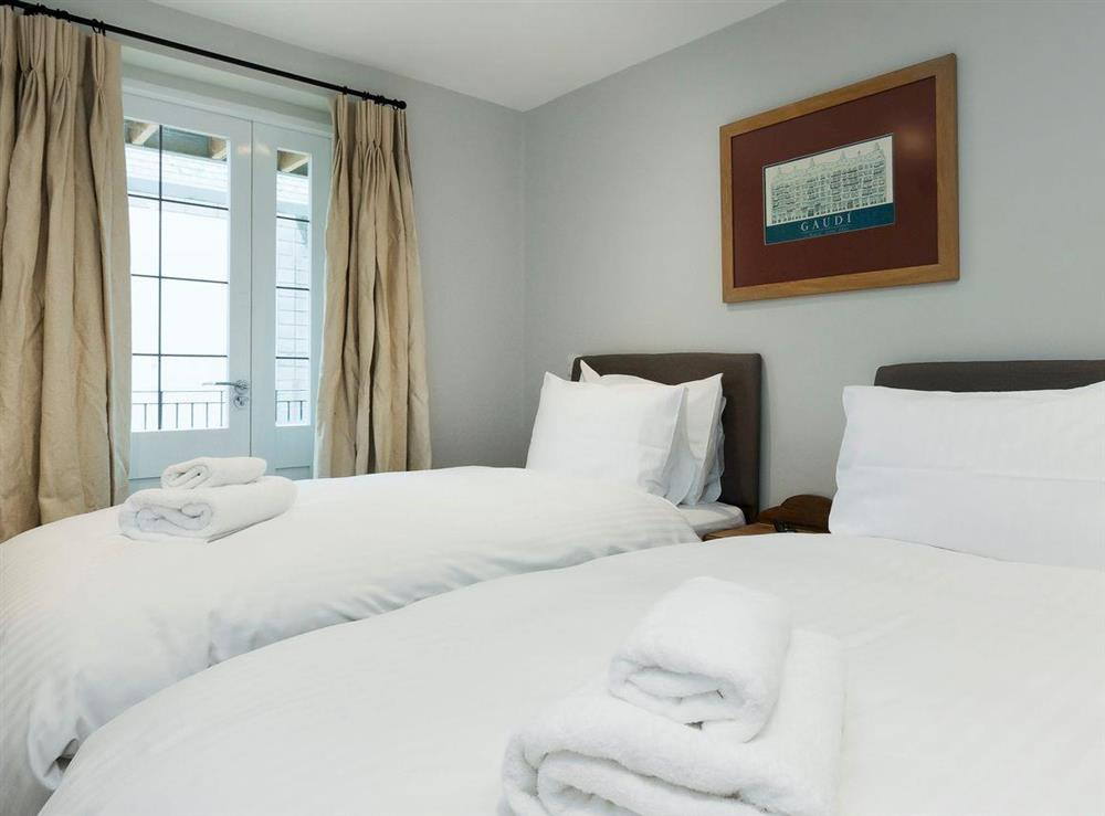 Comfortable twin bedroom at Bank Apartment 1 in Dartmouth, Devon