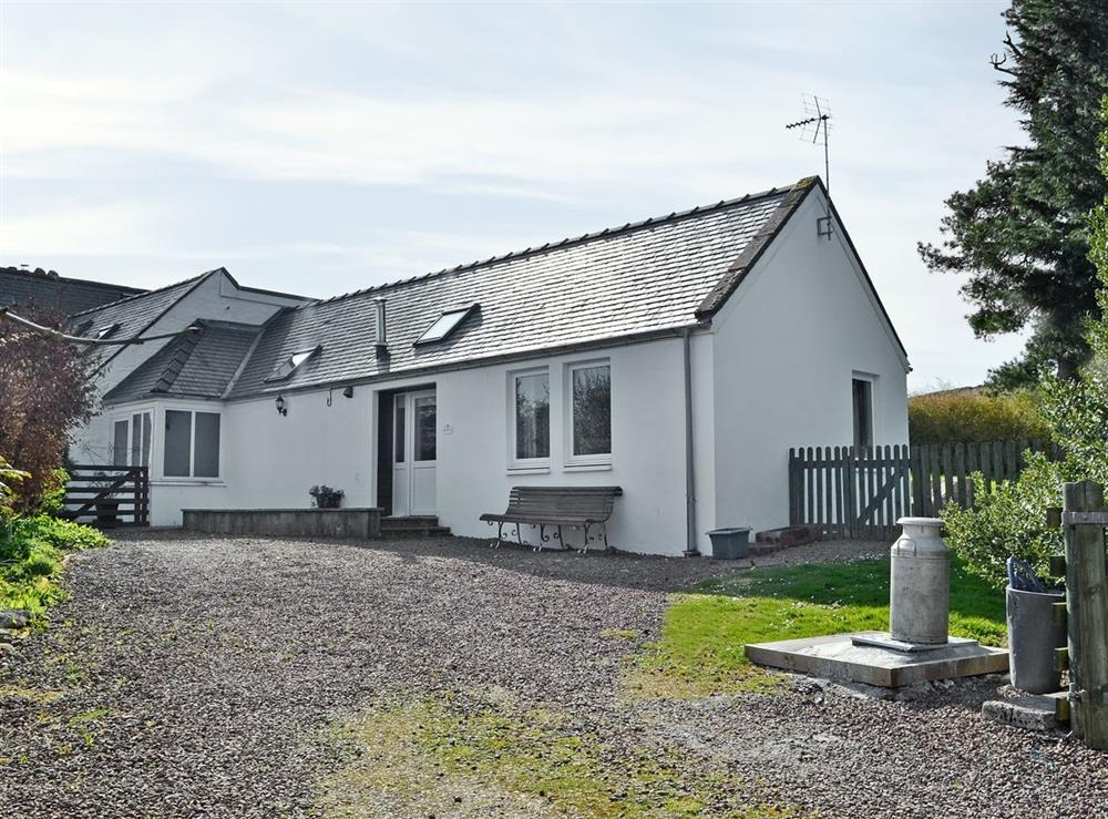 Exterior at Bartaggart Farm Holiday Cottages: The Old Smiddy in Balmaclellan, near Castle Douglas, Kirkcudbrightshire